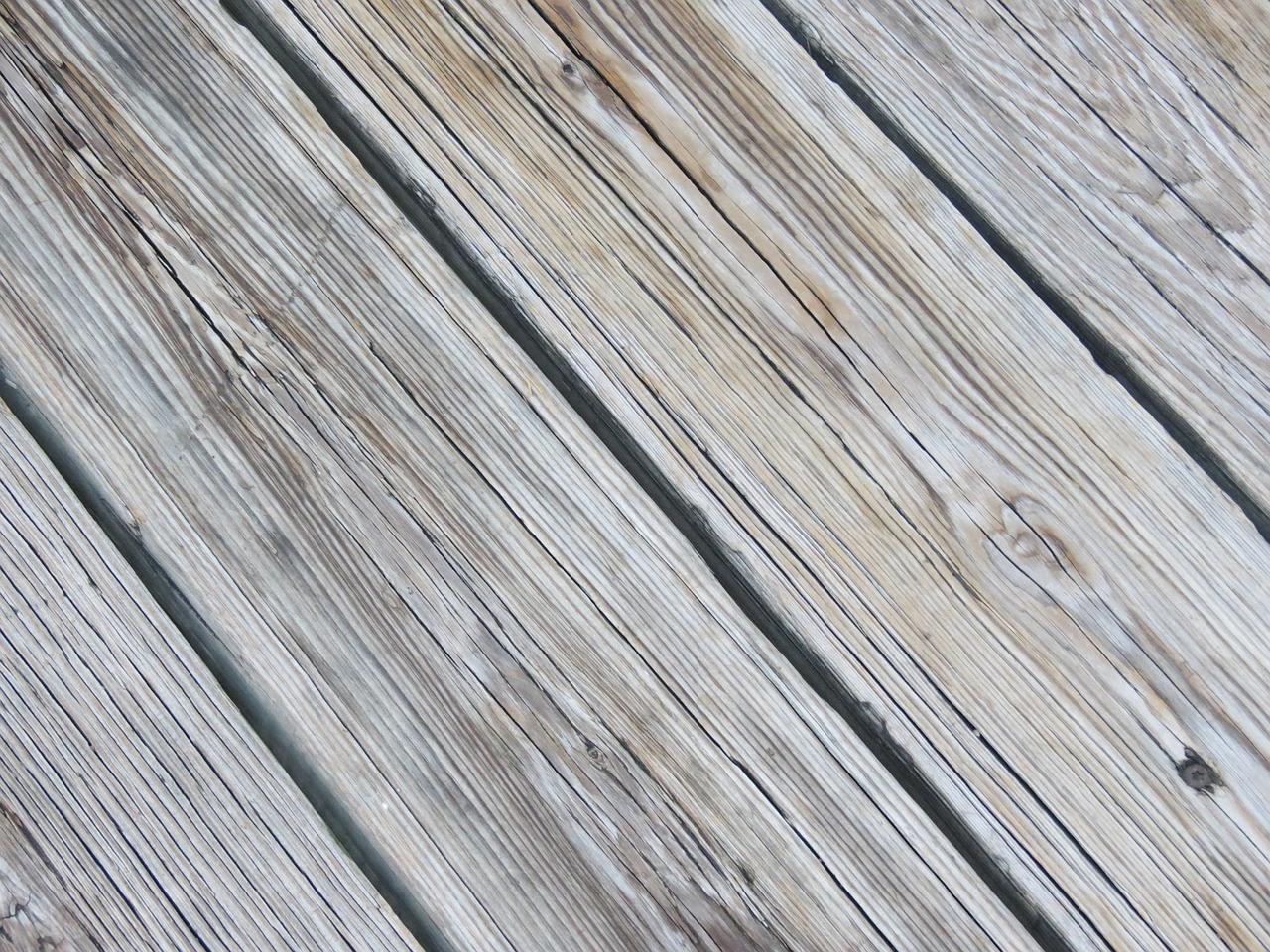En grundig gulvslibning gør kål på de grimme skjolder og pletter