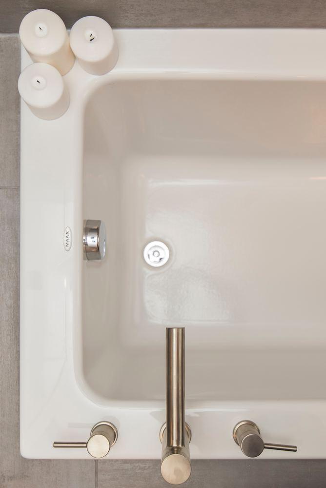 Få dit lækre badekar igen med emaljering af badekar